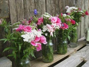Blumen für die Erntekisten